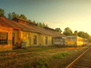 Senát asi umožní zavedení jednotné jízdenky na železnici