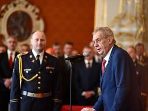 Řád bílého lva dostal letec Boček, prezident Klaus či Jan A. Baťa