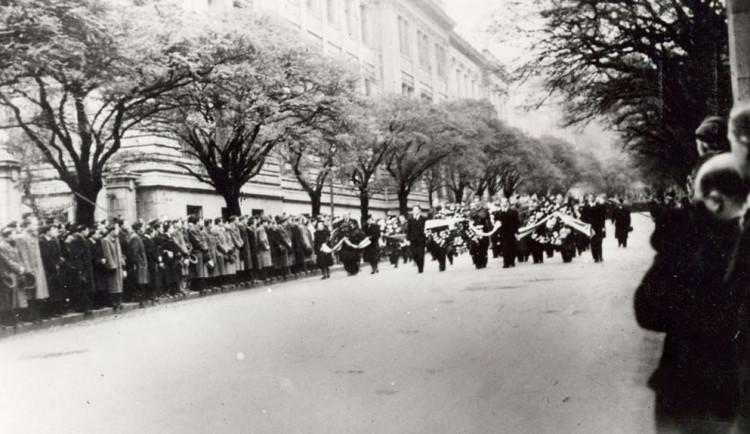 VZPOMÍNKA: Opletalův pohřeb vyústil ve velkou protihitlerovskou demonstraci