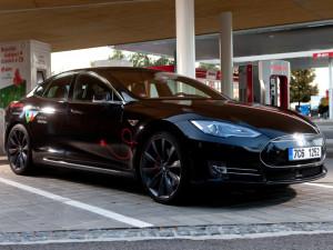 E.ON chce mít do tří let 300 veřejných dobíjecích stanic pro elektromobily