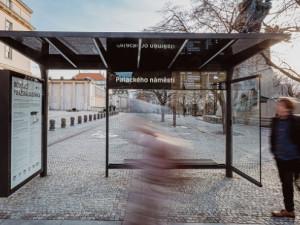 Praha představila prototyp nového přístřešku MHD