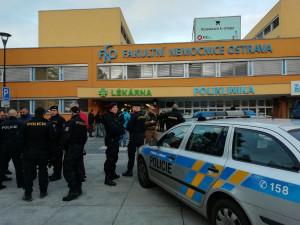 Mrtvých v Ostravě je šest. Pachatel se na útěku zastřelil, motiv policie zatím nezná