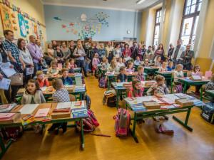 Dětem začínají vánoční prázdniny, do škol se vrátí 6. ledna