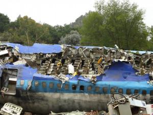 V Kazachstánu se po startu zřítilo letadlo, nejméně 15 mrtvých