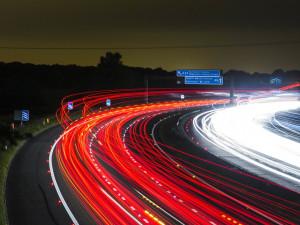 Povolenou rychlost v dálničních tunelech Sněmovna asi nezvýší