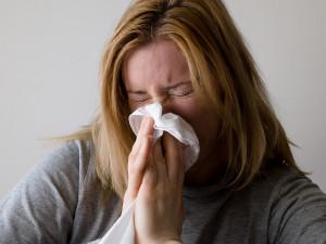 Nemocnost chřipkou a dalšími infekcemi roste, epidemie ještě není
