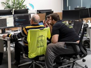 KOMENTÁŘ: Co nám víkendový hackathon systému na dálniční známky dal a vzal?
