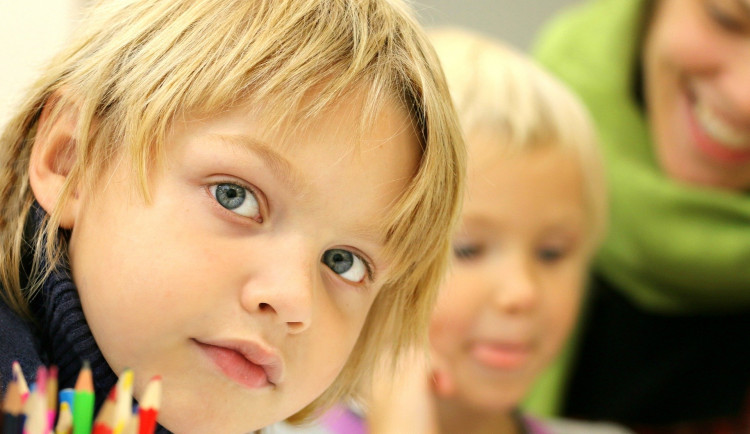 Školáci dnes mají pololetní prázdniny, některým navážou jarní