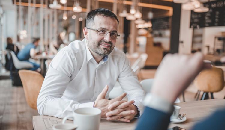 Předávání rodinných podniků z generace na generaci sleduji s otazníkem, říká Tomáš Raška. Se svou firmou zachránil Slavii i Zoot