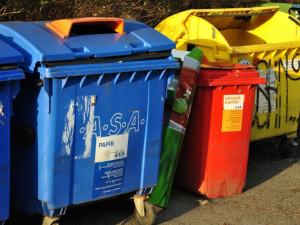 Na třídění odpadu v karanténě zapomeňte. Vše vhazujte do směsného odpadu, vyzývá ministerstvo