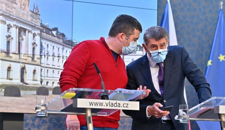 Hamáček: Podání trestního oznámení za boj s epidemií je absurdní