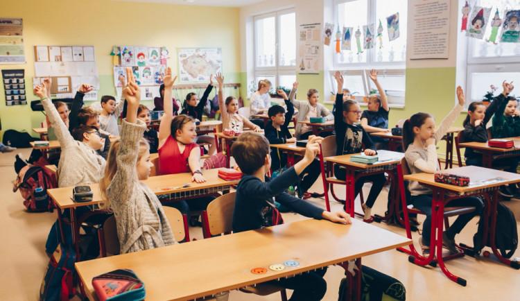 Ředitelé: Plán otevřít školní skupiny je stále plný nejasností