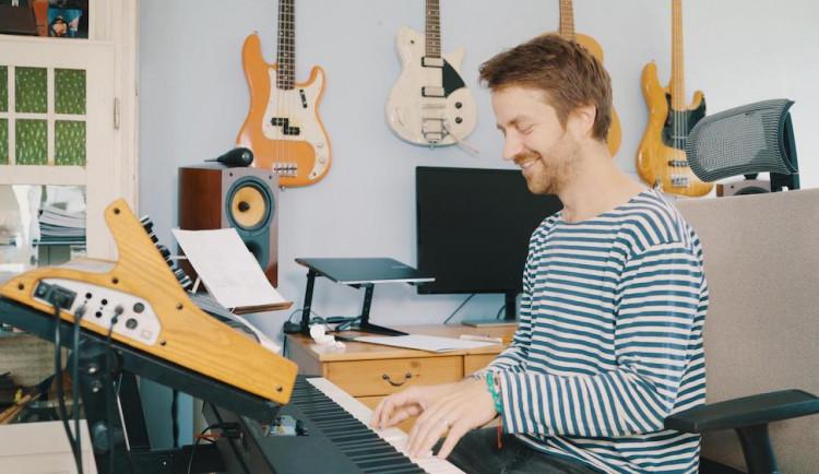 Čeští hudebníci spouštějí projekt Song pro tebe. Písně na zakázku pro kohokoliv