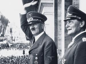 Nakladatelství čelí trestnímu oznámení kvůli kalendáři s nacisty