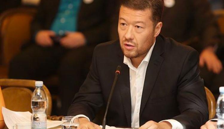 SPD a KSČM nepodporují vznik vyšetřovací komise k nákupům ochranných pomůcek