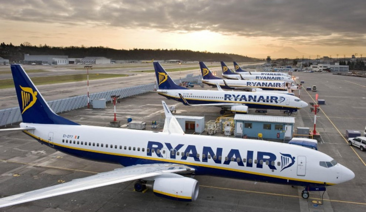 Zaměstnanci aerolinek Ryanair založili v Česku odbory