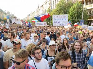 Milion chvilek vpustí na úterní demonstraci jen 500 lidí