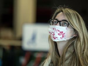 Za opatření proti koronaviru chtějí lidí po vnitru 285 milionů