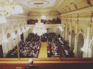 Sněmovna schválila zrušení daně z nabytí, zachovala odpočty úroků