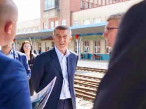 Pompeo má do Prahy dorazit v úterý, další den jednat s Babišem