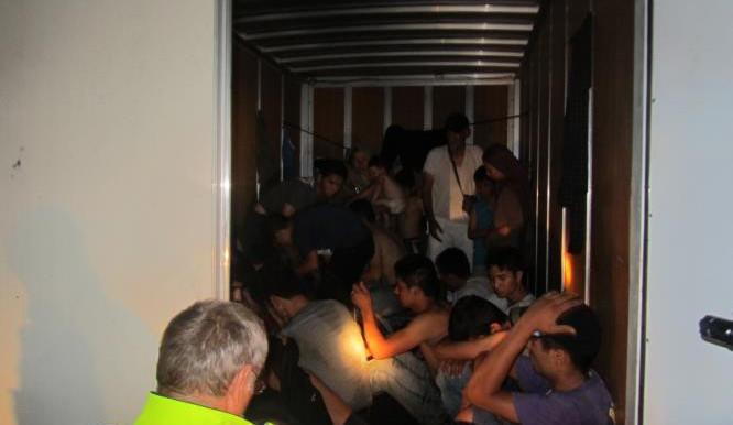 Policie loni odhalila 5677 nelegálních migrantů, víc než předloni