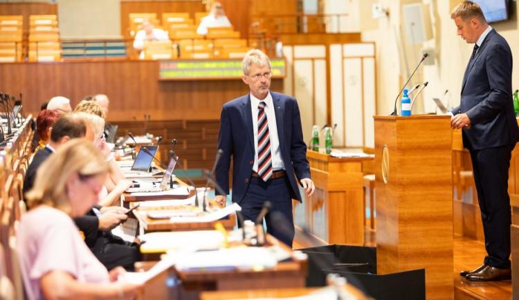 Čeští senátoři odsoudili násilí na demonstrantech v Bělorusku