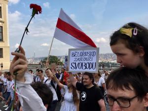 Vláda schválila deset milionů na pomoc Bělorusům