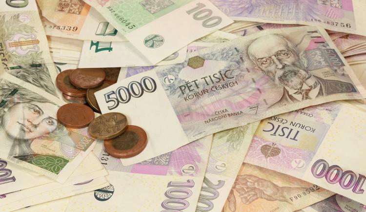 Koalice se dohodla na dvou sazbách daně z příjmu, 15 a 23 procent