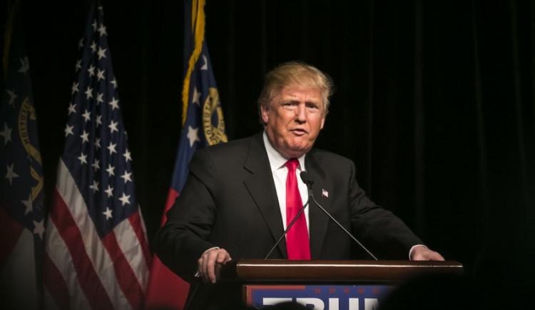 Tisk obvinil Trumpa z neplacení daní, ten informaci popřel
