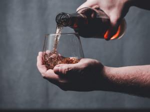 Zákaz alkoholu platil v Česku v roce 2012 v době metanolové aféry