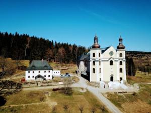 Barokní kostel v Neratově v Orlických horách získal cenu Patria Nostra