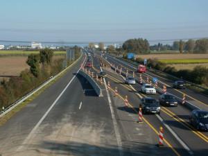 Pozitivní vliv koronaviru: Automobilový provoz opět slábne, zatím asi o třetinu