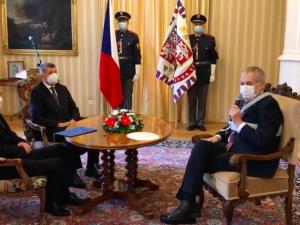 Zeman jmenoval ministrem zdravotnictví lékaře Jana Blatného