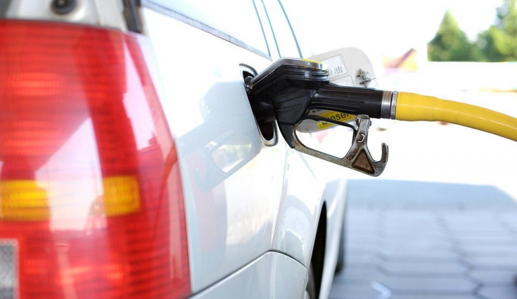 Poslanec ANO Pustějovský navrhl vyšší podíl bioetanolu v benzinu