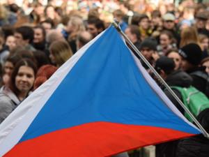 Češi si dnes připomenou 17. listopad, hromadné akce ale nebudou