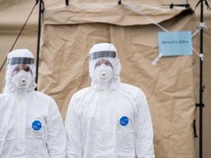 V Česku dál ubývá nových případů koronaviru i hospitalizovaných