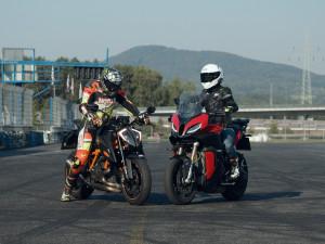 Motorkář na sobě musí neustále pracovat