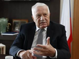 Exprezident Klaus se ohradil proti spojení s dezinformátory