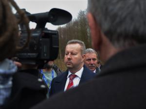 Ministr životního prostředí Brabec je na vyšetření v nemocnici