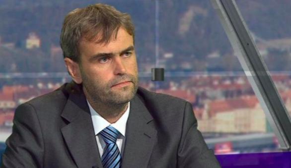 Exdetektiv Šlachta založil protikorupční spolek Napřímo