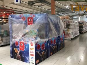 Nakažených v Česku dál ubývá, obnoví se asi prodej dětského oblečení