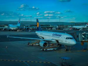 Cizinci od soboty smí přicestovat do Česka pouze z nezbytných důvodů