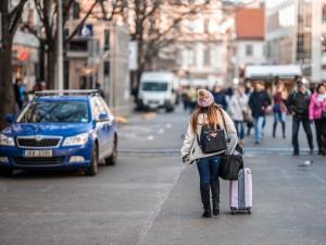 STUDIE: Počet bytů ke krátkodobému nájmu v Praze klesl o 45 procent