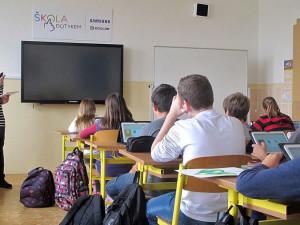 Dušek: Po návratu žáků do škol je možné čekat růst nákazy