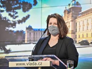 Maláčová: Vláda schválila návrh na zvýšení nemocenské na 100 procent