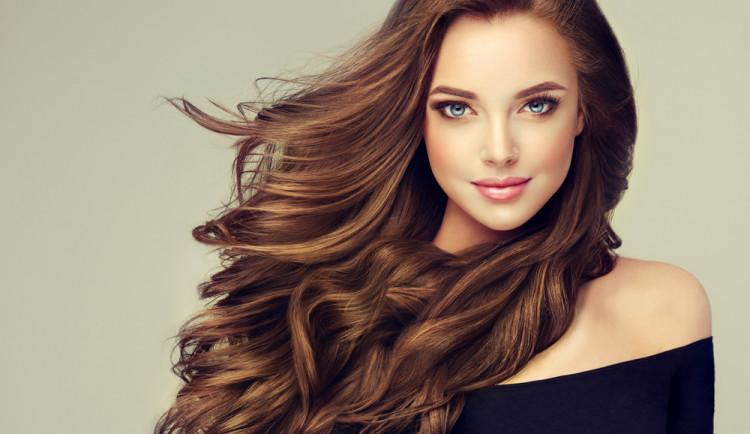 5 nejčastějších chyb při péči o vlasy. Vyvarujte se jich
