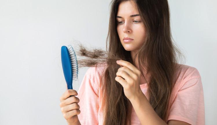 Máte problém s vypadáváním vlasů? Řešení je několik