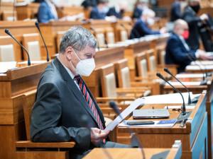 Senát odmítl povinný podíl českých potravin v obchodech. Schválení by mohlo znamenat žalobu
