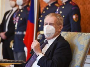 Prezident Zeman omilostnil onkologicky nemocného muže odsouzeného za loupež