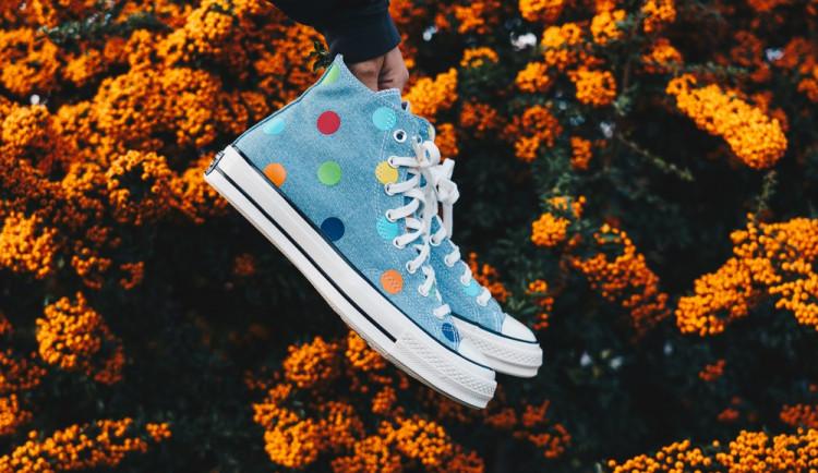 Converse boty oceníte i v horkém létě. Proč by neměly chybět ve vašem botníku?